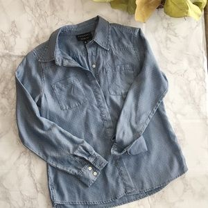 Foxcroft Fitted Fit Chambray Polka Dot Button Down